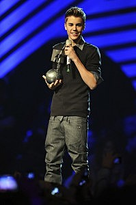 Justin Bieber-MTV Europe Music Awards 2011 - Show