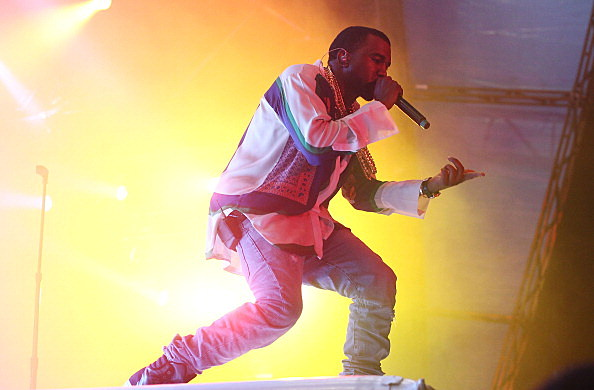 Kanye West has filed a counter suit after paparazzi photographer sues him for assault.