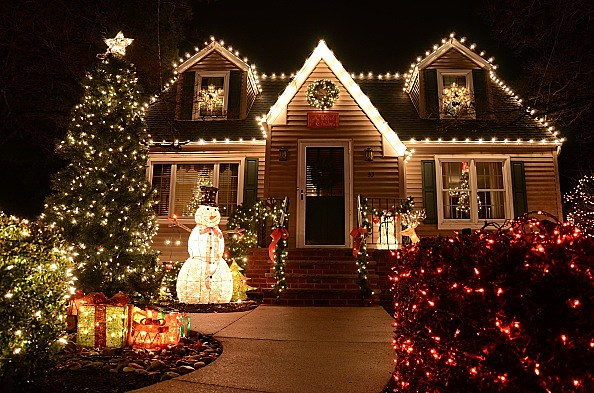 Best Holiday Light Displays And Festivals In Louisiana [VIDEO]